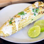 Grilovaná kukurica s ostro kyslou omáčkou