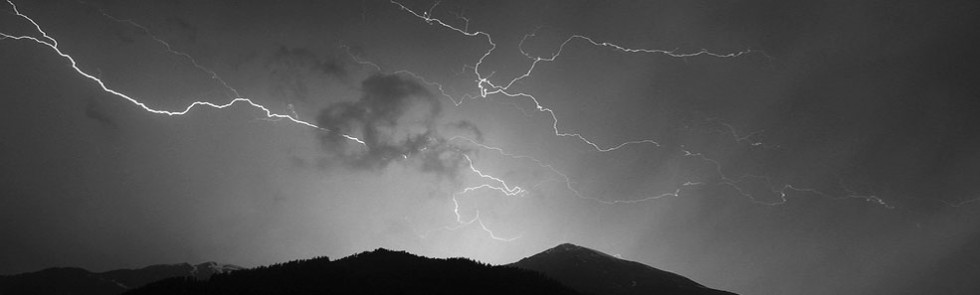 Búrka a blesky