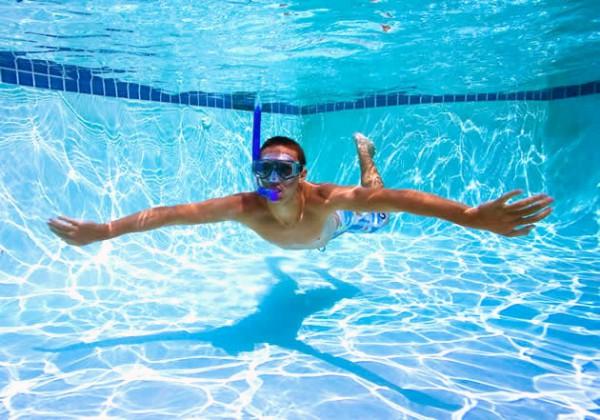 Každý chce mať čistú vodu v bazéne