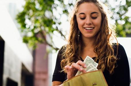 Študentská pôžička od FNVP alebo bbanky