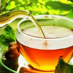 Čaj. Čierny, zelený, bylinkový či ovocný? A čo tak domáci?