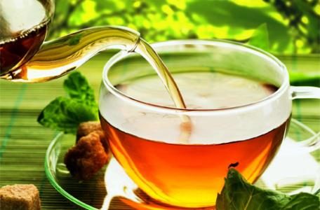 zelený čaj, bylinkový čaj alebo iný