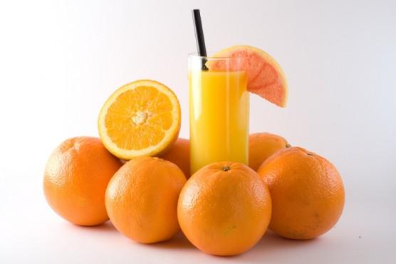 džús z pomarančov