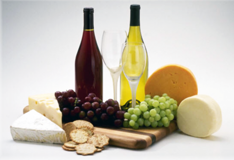 Aké víno podávať k syrom?