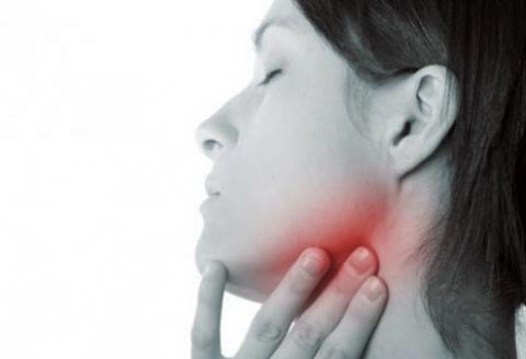 bolest hrdla v krku