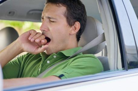 predídte mikrospánku pri šoférovaní v aute