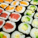 Sushi – aký je rozdiel medzi nigiri a maki? Naučíme vás vyznať sa v tejto pochúťke