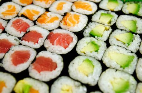 sushi je japonská pochúťka
