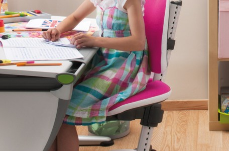 ergonomic-desk-chair-kids-moll-maximo-3-680x1024